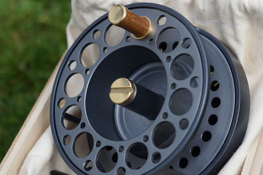 handmade-fly-fishing-reel-2