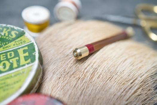 split-cane-bobbin-threader (4)